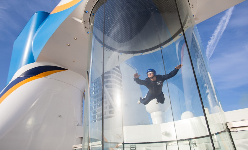 Skydive simulator tijdens Anthem of the Seas cruisereis