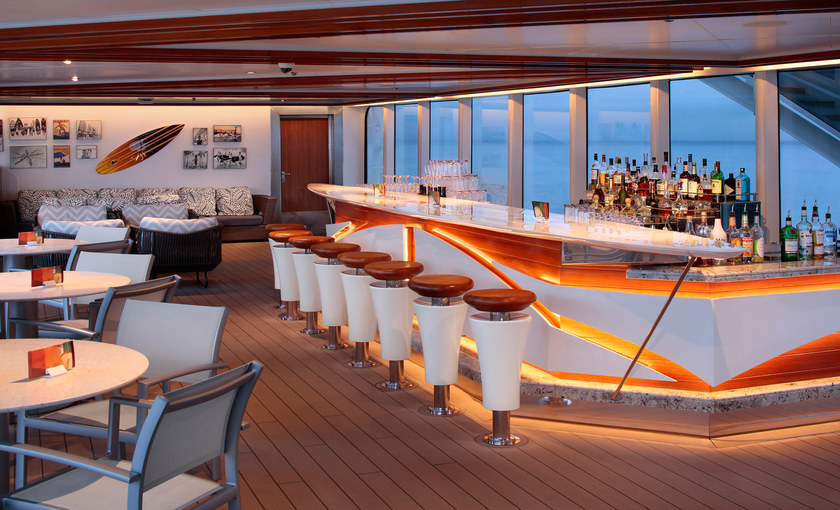 Seaview bar op cruiseschip Koningsdam