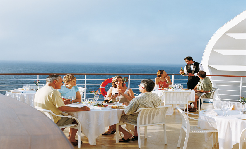 Een terras op de Diamond Princess van Princess Cruises
